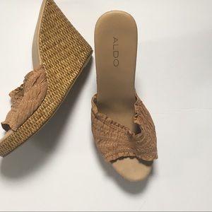 Size 8.5 Aldo Nude Beige Wedge Sandals